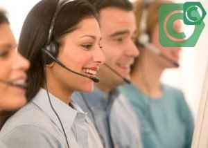 По вопросам обслуживания не обязательно обращаться в офис банка, можно позвонить по телефону горячей линии