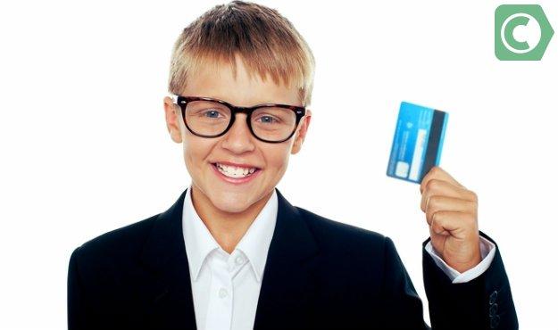 Можно ли оформить банковскую карту на ребенка?